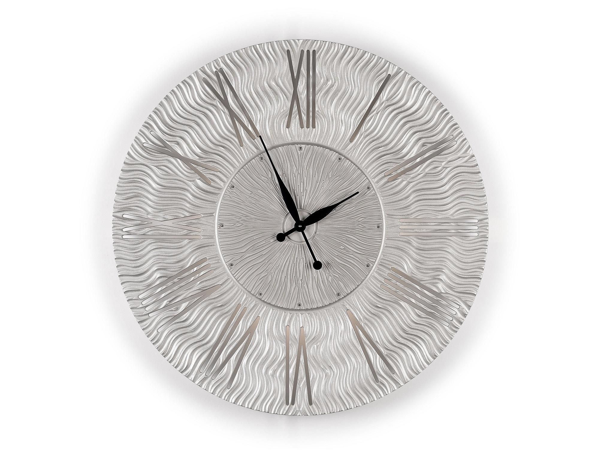 Настенные часы TWINKLEНастенные часы<br>Бег времени непрерывен. Можно ли ощутить, как одна минута переходит в другую? <br>Можно ли предсказать, что открывают нам движущиеся по кругу стрелки часов? <br>Светящиеся прорезные силуэты цифр помогают понять, что лучшее еще впереди. <br>Данный вариант представлен в серебряном цвете.&amp;lt;div&amp;gt;&amp;lt;br&amp;gt;&amp;lt;/div&amp;gt;&amp;lt;div&amp;gt;Часы оснащены встроенной светодиодной подсветкой&amp;lt;/div&amp;gt;&amp;lt;div&amp;gt;Возможны варианты с другими размерами без изменения цены: представлены часы с диаметрами 90, 80, 75 и 60 см.&amp;amp;nbsp;&amp;lt;/div&amp;gt;<br><br>Material: Дерево<br>Глубина см: 1.0
