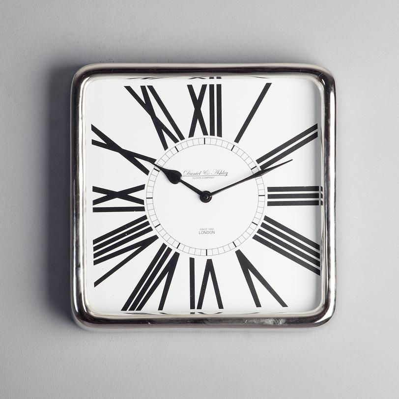 Часы настенныеНастенные часы<br><br><br>Material: Металл<br>Length см: 31.0<br>Width см: 31.0<br>Depth см: 3.0<br>Height см: None<br>Diameter см: None