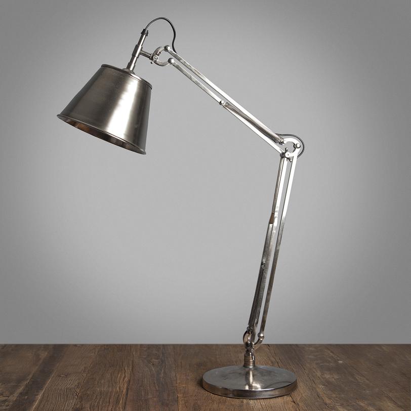 Лампа настольная T. LAMP/ANTQ SILVERНастольные лампы<br>Настольная лампа в стиле лофт с ретро-дизайном из блестящего металла. Оригинальные крепления придают значимости этому предмету.<br><br>Material: Металл<br>Ширина см: 25<br>Высота см: 86<br>Глубина см: 22