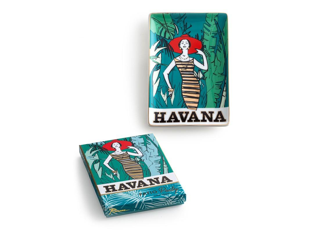 Декоративный поднос HavanaДекоративные подносы<br>Танцуй до рассвета  или ... просто наслаждайся модной пати.  В основе серии — посуда из настоящего фарфора, который дополняет золото, поэтому дизайн выглядит необычно и привлекательно. Каждый предмет коллекции &amp;quot;Patio Party&amp;quot; упакован в свою фирменную коробку с отдельным дизайном, что еще сильнее подчеркивает особенность этой серии.&amp;amp;nbsp;<br><br>Material: Фарфор<br>Ширина см: 16<br>Высота см: 2<br>Глубина см: 11