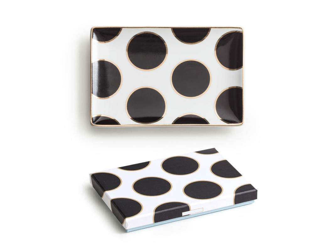 Декоративный поднос DotsДекоративные подносы<br><br><br>Material: Фарфор<br>Ширина см: 15<br>Высота см: 2<br>Глубина см: 10