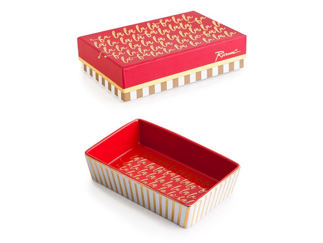 Декоративный поднос Fa la laДекоративные подносы<br>В основе серии — посуда из настоящего фарфора, который дополняет золото, поэтому дизайн выглядит необычно и привлекательно.  Каждый предмет коллекции упакован в свою фирменную коробку с отдельным дизайном, что еще сильнее подчеркивает особенность этой серии.<br><br>Material: Фарфор<br>Ширина см: 16<br>Высота см: 4<br>Глубина см: 10