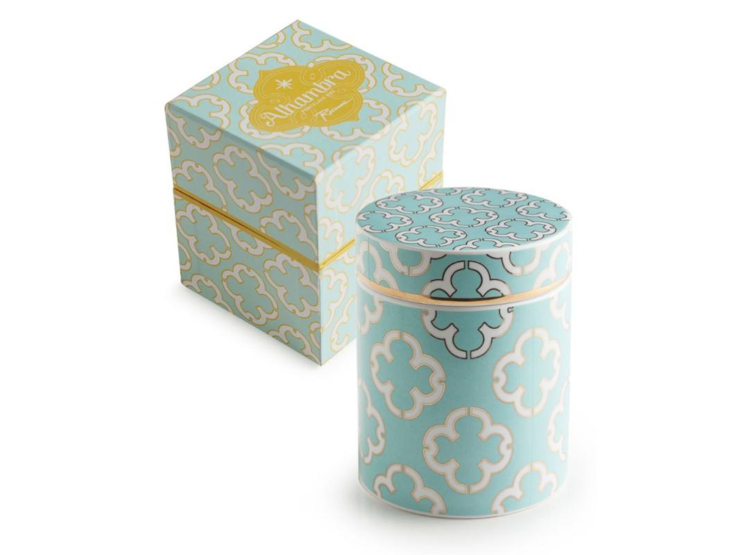 Контейнер с крышкой (большой)Емкости для хранения<br>Коллекция Alhambra представляет собой возрождение мавританских элементов в стиле 60-х годов прошлого века, которые идеально вписываются в интерьер современной кухни или женского будуара. В основе серии — посуда из настоящего фарфора, который дополняет золото, поэтому дизайн выглядит необычно и привлекательно.  Каждый предмет коллекции упакован в свою фирменную коробку с отдельным дизайном, что еще сильнее подчеркивает особенность этой серии.&amp;nbsp;<br><br>kit: None<br>gender: None