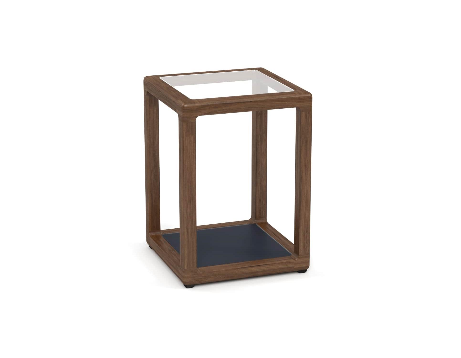 Столик придиванный SeagullСтолы и столики для сада<br>&amp;lt;div&amp;gt;Коллекция SEAGULL – воплощение природной простоты и естественного совершенства. Мебель привлекает тёплыми тонами, уникальностью материала и идеальными пропорциями. Стеклянные столешницы обеденных и журнальных столов по цвету гармонируют с тканью подушек, удобные диваны и «утопающие» кресла дарят ощущения спокойствия и комфорта.&amp;lt;/div&amp;gt;&amp;lt;div&amp;gt;&amp;lt;br&amp;gt;&amp;lt;/div&amp;gt;&amp;lt;div&amp;gt;Термоясень (ясень термообработанный) обладает высокими эксплуатационными характеристиками. Имеет ярко выраженную красивую текстуру и благородный аромат. Это исключительно долговечный, недеформируемый под воздействием атмосферных явлений и экологически чистый материал. В результате термообработки – длительного переменного воздействия пара и высоких температур – в структуре древесины происходят изменения на молекулярном уровне, и ясень приобретает наиболее важные для уличной мебели свойства – водостойкость, стабильность размеров, абсолютную устойчивость к биологическим поражениям. Срок службы – 10-15 лет.&amp;lt;/div&amp;gt;&amp;lt;div&amp;gt;&amp;lt;br&amp;gt;&amp;lt;/div&amp;gt;&amp;lt;div&amp;gt;Вся фурнитура изготовлена из нержавеющей стали на собственном производстве.&amp;amp;nbsp;&amp;lt;/div&amp;gt;&amp;lt;div&amp;gt;&amp;lt;br&amp;gt;&amp;lt;/div&amp;gt;<br><br>&amp;lt;iframe width=&amp;quot;530&amp;quot; height=&amp;quot;300&amp;quot; src=&amp;quot;https://www.youtube.com/embed/uL9Kujh07kc&amp;quot; frameborder=&amp;quot;0&amp;quot; allowfullscreen=&amp;quot;&amp;quot;&amp;gt;&amp;lt;/iframe&amp;gt;<br><br>Material: Ясень<br>Ширина см: 40.0<br>Глубина см: 40.0