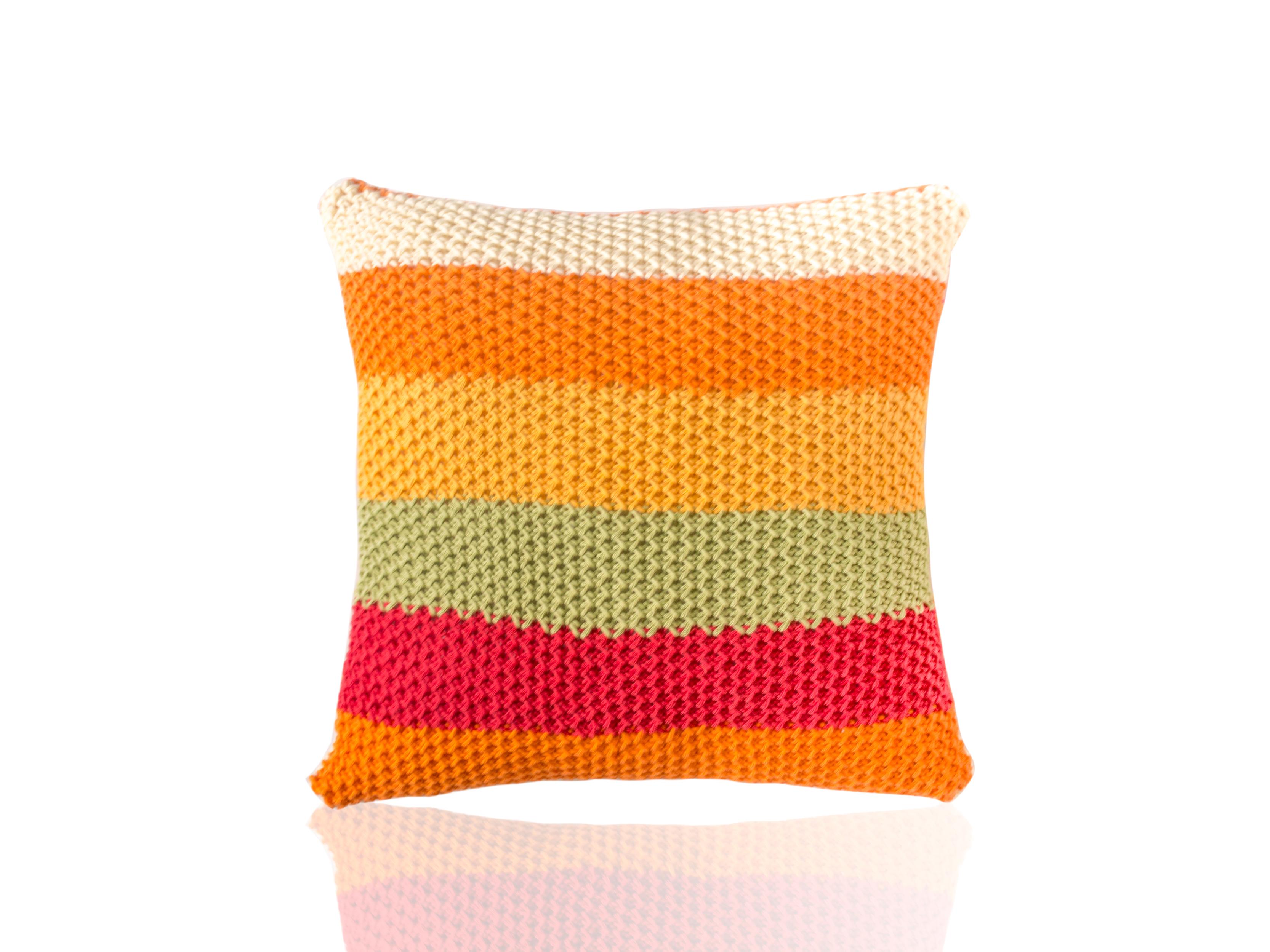 Подушка SeisКвадратные подушки и наволочки<br>Seis - вязаная диванная подушка ручной работы - сделана из высококачественных материалов в Коврове, Россия. Яркая, мягкая и красивая, эта вещь добавит комфорта и уюта любому домашнему декору.&amp;lt;div&amp;gt;&amp;lt;br&amp;gt;&amp;lt;/div&amp;gt;&amp;lt;div&amp;gt;Состав наволочки: 100% хлопок&amp;amp;nbsp;&amp;lt;/div&amp;gt;&amp;lt;div&amp;gt;Наполнитель (вынимающаяся подушка): 100% полиэстер&amp;amp;nbsp;&amp;lt;/div&amp;gt;<br><br>Material: Текстиль<br>Ширина см: 40.0<br>Высота см: 40.0<br>Глубина см: 10.0