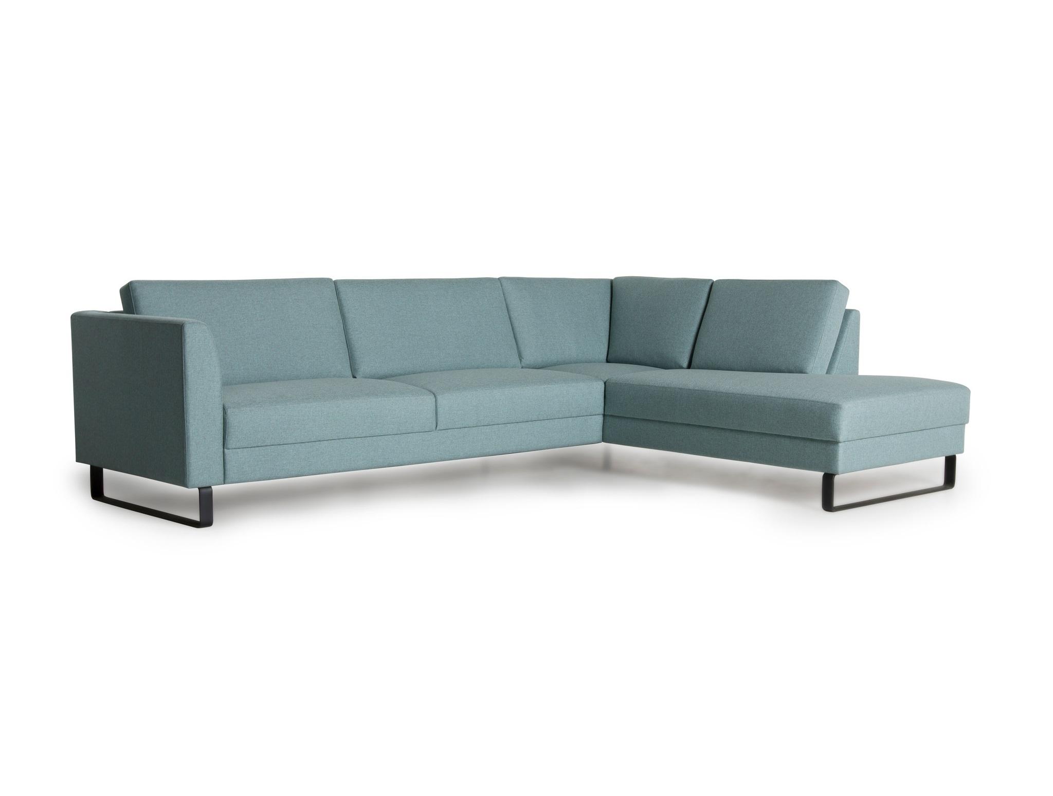 Диван ОулуУгловые диваны<br>Диван Оулу  позволяет рационально использовать пространство комнаты благодаря модульной системе. Отличительной чертой дизайна дивана Оулу являются ножки салазки, что особенно хорошо смотрится в современных интерьерах. Наполнители подушек дивана двухслойные для большего комфорта и износостойкости. На диване Оулу приятным будет отдых для Вас и Ваших близких. Угол можно выбрать самому (угол определяется сидя на диване).&amp;lt;div&amp;gt;&amp;lt;br&amp;gt;&amp;lt;div&amp;gt;Каркас (комбинации дерева, фанеры и ЛДСП). Для сидячих подушек используют пену различной плотности, а также перо и силиконовое волокно. Для задних подушек есть пять видов наполнения: пена, измельченная пена, пена высокой эластичности, силиконовые волокно.&amp;amp;nbsp;&amp;lt;/div&amp;gt;&amp;lt;div&amp;gt;Материал обивки: 100% PP полипропиленовое волокно.&amp;amp;nbsp;&amp;lt;/div&amp;gt;&amp;lt;/div&amp;gt;<br><br>Material: Текстиль<br>Ширина см: 287.0<br>Высота см: 88.0<br>Глубина см: 213.0