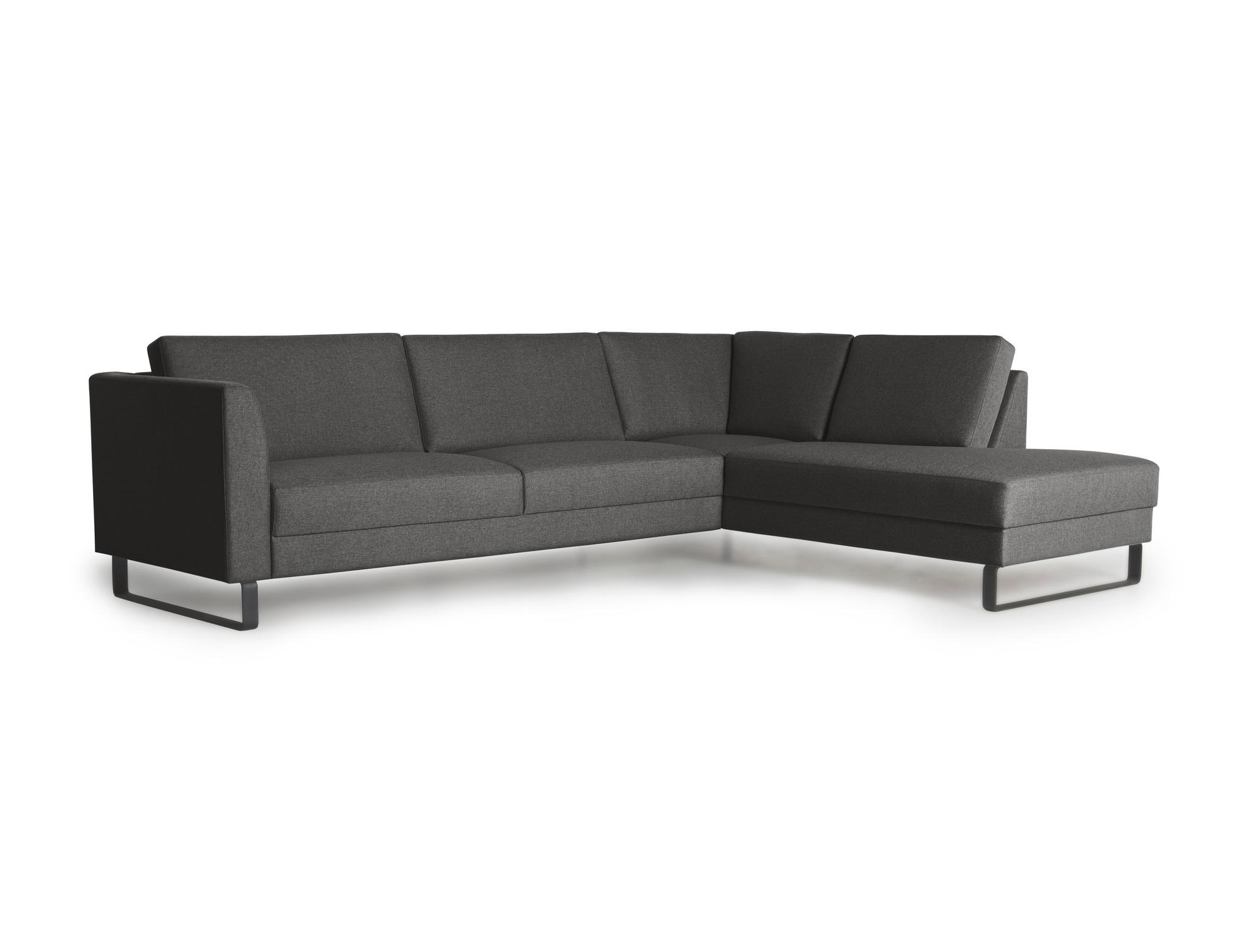 Диван ОулуУгловые диваны<br>Диван Оулу  позволяет рационально использовать пространство комнаты благодаря модульной системе. Отличительной чертой дизайна дивана Оулу являются ножки салазки, что особенно хорошо смотрится в современных интерьерах. Наполнители подушек дивана двухслойные для большего комфорта и износостойкости. На диване Оулу приятным будет отдых для Вас и Ваших близких. Угол можно выбрать самому&amp;nbsp; (угол определяется сидя на диване). Не разбирается.&amp;nbsp;Каркас (комбинации дерева, фанеры и ЛДСП). Для сидячих подушек используют пену различной плотности, а также перо и силиконовое волокно. Для задних подушек есть пять видов наполнения: пена, измельченная пена, пена высокой эластичности, силиконовые волокно.&amp;nbsp;Материал обивки: 100% PP полипропиленовое волокно.&amp;nbsp;<br><br>kit: None<br>gender: None