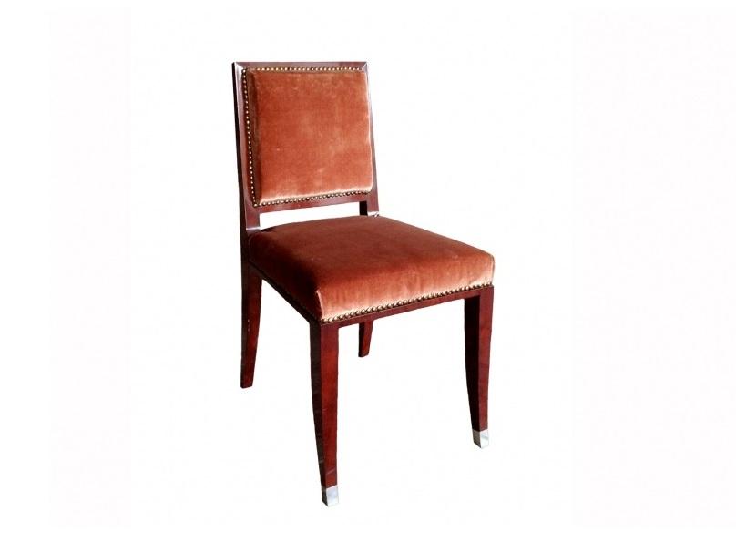 Стул Art DecoОбеденные стулья<br>Стул Art Deco фабрики Massant выполнен в стиле 1930-х годов. Однако его безупречная конструкция и изысканный вид способны вписаться в любой современный интерьер.&amp;lt;div&amp;gt;&amp;lt;br&amp;gt;&amp;lt;/div&amp;gt;&amp;lt;div&amp;gt;Высота сидения: 45 см&amp;lt;/div&amp;gt;<br><br>Material: Дерево<br>Ширина см: 45<br>Высота см: 84<br>Глубина см: 46