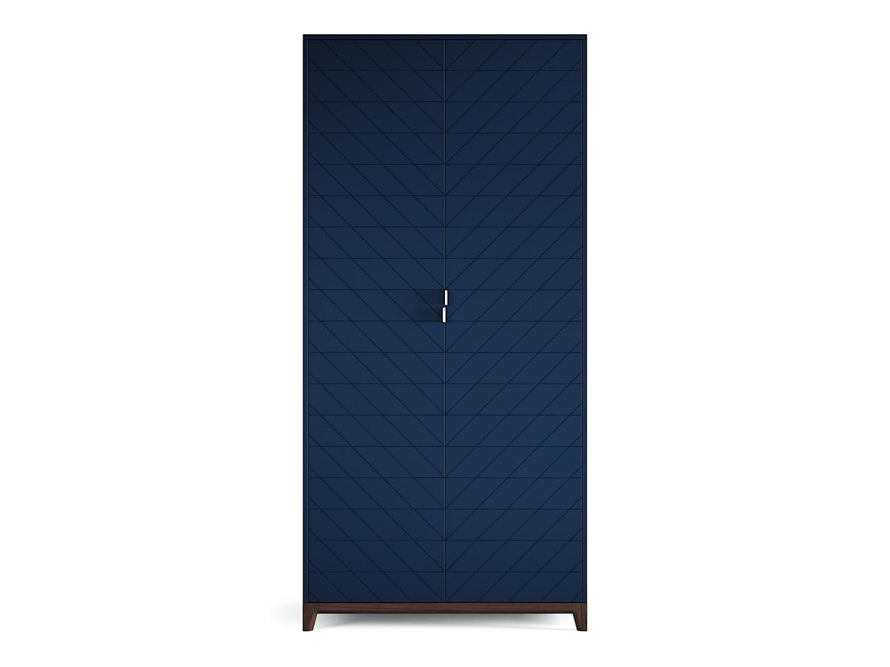 Шкаф Case №3Платяные шкафы<br>Компактный шкаф CASE №3 сочетает в себе продуманную структуру и современный дизайн впишется даже в самое небольшое уютное помещение. Внутри комфортно расположены полки и штанги для вешалок, сплошная перфорация позволяет устанавливать полки в удобном положении.&amp;lt;div&amp;gt;&amp;lt;br&amp;gt;&amp;lt;/div&amp;gt;&amp;lt;div&amp;gt;Материал: Массив дуба, МДФ, ДСП, эмаль, лак&amp;lt;br&amp;gt;&amp;lt;/div&amp;gt;<br><br>Material: Дуб<br>Ширина см: 100<br>Высота см: 210<br>Глубина см: 60