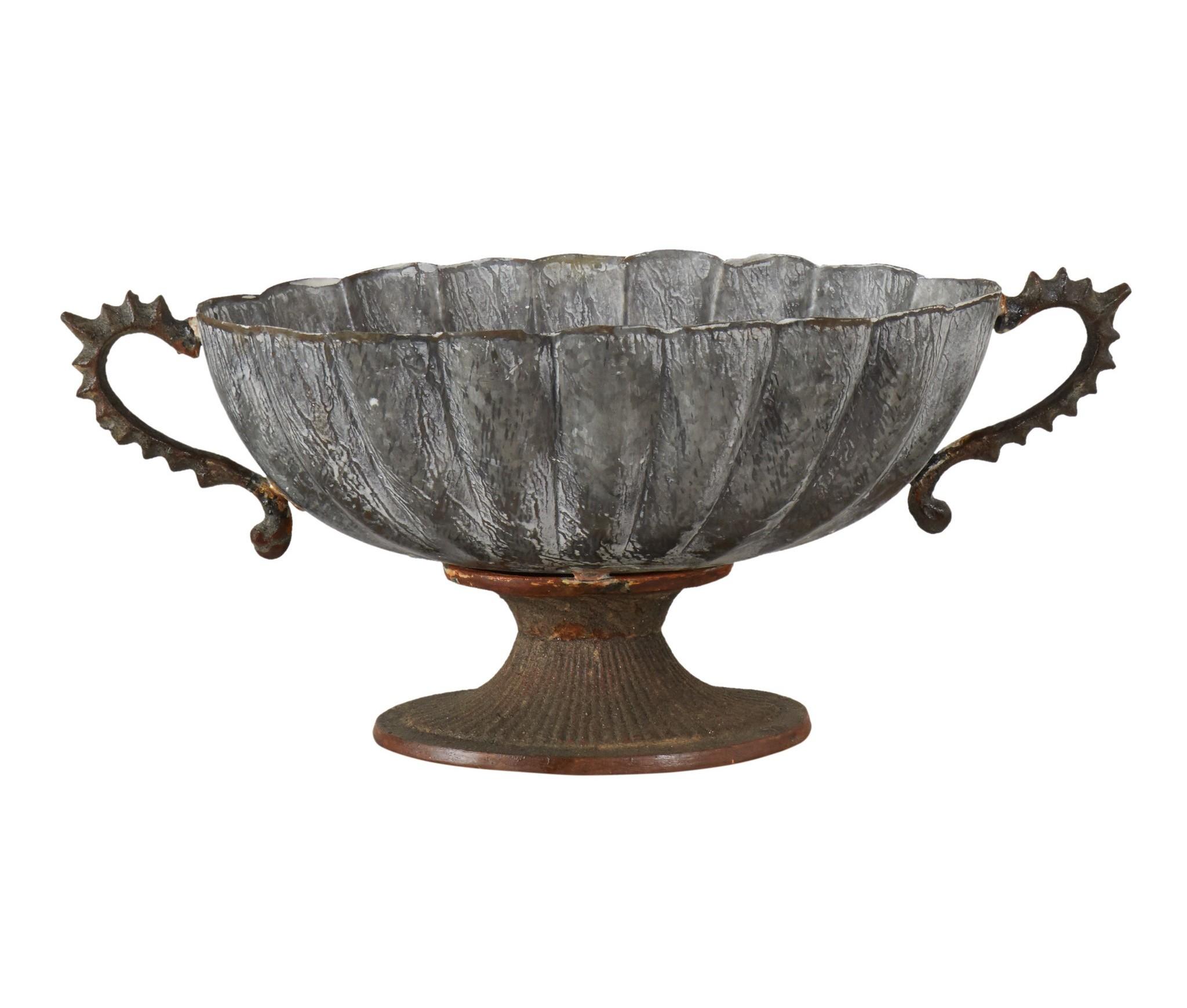 Чаша FenixДекоративные чаши<br><br><br>Material: Металл<br>Ширина см: 39<br>Высота см: 17<br>Глубина см: 20
