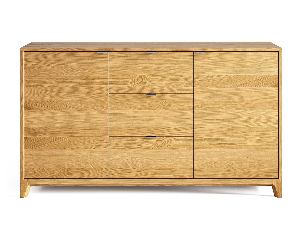 Комод Case (Натуральный дуб)Интерьерные комоды<br>Элегантность и практичность, неповторимая фактура дерева и современный дизайн гармонично сочетаются в комоде CASE.Базовая ширина комода – 140 см, поэтому на нем можно разместить целый ряд предметов.Комод очень вместителен и может использоваться в любом помещении - гостиной, спальне или даже в офисе.<br>Цвет: Натуральный дуб.<br>Материал: Массив дуба, натуральный шпон дуба, МДФ, ДСП, лак.<br>