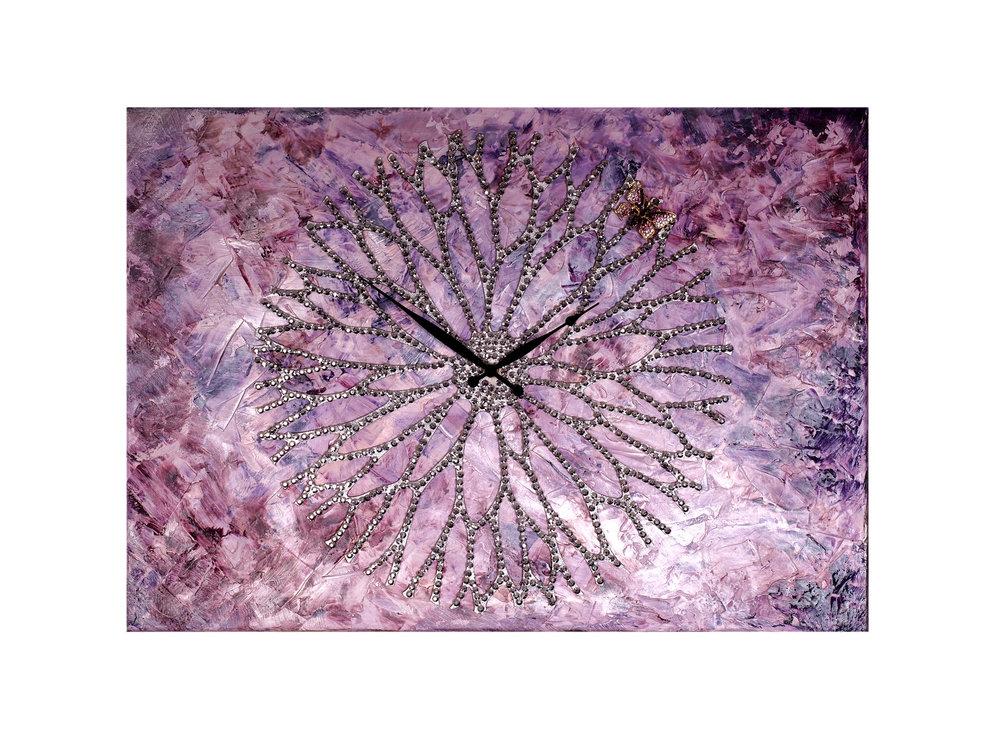 Картина - часы ЦветокЧасы<br>Настенные часы коллекции «Цветок» - подлинное произведение искусства. Они преобразят абсолютно любой интерьер, создадут гармонию, наделят помещение изысканностью, и заставят на стене расцвести роскошный райский цветок. <br>Основой часов служит древесина, как известно, обладающая уникальной природной энергетикой. При помощи индивидуально разработанного чертежа и лазерной резки была воссоздана чашечка с лепестками. Стразы блестят подобно росе.&amp;lt;div&amp;gt;&amp;lt;br&amp;gt;&amp;lt;/div&amp;gt;&amp;lt;div&amp;gt;&amp;lt;span style=&amp;quot;font-size: 14px;&amp;quot;&amp;gt;Материал: холст, галерейный подрамник, акриловая рельефная паста, глянцевые золотые листы потали, дерево, стразы австрийского производства, надежный часовой механизм young town, гонконг.&amp;lt;/span&amp;gt;&amp;lt;br&amp;gt;&amp;lt;/div&amp;gt;<br><br>Material: Холст<br>Ширина см: 50<br>Высота см: 70<br>Глубина см: 4