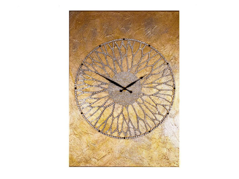 Картина-часы Колесо ХотеяНастольные часы<br>Хотей - вечно юный бог благополучия и удачи. Магическое колесо, которое он крутит, дарует обладателю богатство, а все новые начинания приводят к успеху. Как невозможно остановить ход солнца и луны, так нельзя и заставить Хотея замедлить движения колеса - в нем заключено дыхание мироздания.Невероятной красоты часы - это не только декор, но и сильный талисман, напоминающий о ходе времени и приносящий удачу.&amp;lt;div&amp;gt;&amp;lt;br&amp;gt;&amp;lt;/div&amp;gt;&amp;lt;div&amp;gt;&amp;lt;div&amp;gt;&amp;lt;span style=&amp;quot;font-size: 14px;&amp;quot;&amp;gt;Материал: холст, галерейный подрамник, акриловая рельефная паста, глянцевые золотые листы потали, дерево, стразы австрийского производства, надежный часовой механизм young town, гонконг.&amp;lt;/span&amp;gt;&amp;lt;/div&amp;gt;&amp;lt;/div&amp;gt;&amp;lt;div&amp;gt;&amp;lt;br&amp;gt;&amp;lt;/div&amp;gt;<br><br>Material: Холст<br>Ширина см: 50<br>Высота см: 70<br>Глубина см: 4