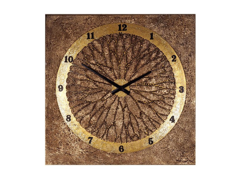 Часы-картина «Колесо Фортуны и золотые пески»Настенные часы<br>Колесо Фортуны – символ изменчивости счастья. Но у богини Фортуны есть секрет: колесо, на котором она стоит с повязкой на глазах, принесет удачу и процветание, и всегда будет крутиться в нужную сторону лишь в том случае, если его усыпать золотым песком. Обладатель этих роскошных часов, смело вращай колесо Фортуны! Отныне удача и везенье — все, что нужно для мгновенной победы! – будут всегда на твоей стороне.&amp;lt;div&amp;gt;&amp;lt;br&amp;gt;&amp;lt;/div&amp;gt;&amp;lt;div&amp;gt;&amp;lt;span style=&amp;quot;font-size: 14px;&amp;quot;&amp;gt;Материал: холст, галерейный подрамник, акриловая рельефная паста, глянцевые золотые листы потали, дерево, стразы австрийского производства, надежный часовой механизм young town, гонконг.&amp;lt;/span&amp;gt;&amp;lt;br&amp;gt;&amp;lt;/div&amp;gt;<br><br>Material: Холст<br>Ширина см: 60<br>Высота см: 60<br>Глубина см: 4