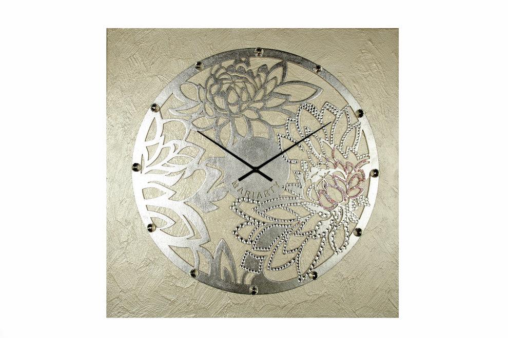 Картина-часыНастенные часы<br>Пион известен как носитель светлой энергии Ян. Ее чистота сравнима разве что с ярчайшим и теплым потоком солнечного света. А еще это символ благополучия и любви – любое изображение пиона способно волшебным образом наладить взаимоотношения. Особенно сильным эффектом известны раскрытые бутоны, превратившиеся в мохнатые цветы-шапки.&amp;nbsp; <br>Повесив эти часы в своем доме, вы скоро почувствуете, как благоухание красоты и любви напоит вашу жизнь.&amp;nbsp; Материал: холст, галерейный подрамник, акриловая рельефная паста, глянцевые листы потали, дерево, стразы австрийского производства, надежный часовой механизм uts, германия.<br><br>kit: None<br>gender: None