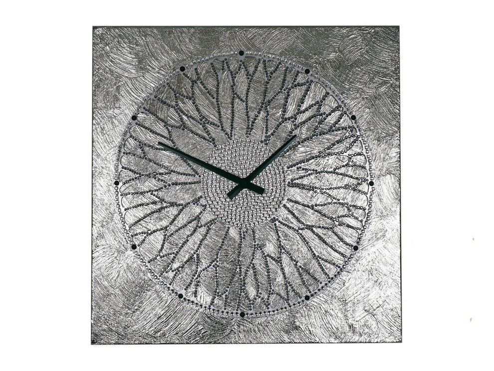 Картина-часы Колесо ХотеяНастенные часы<br>Хотей - вечно юный бог благополучия и удачи. Магическое колесо, которое он крутит, дарует обладателю богатство, а все новые начинания приводят к успеху. Как невозможно остановить ход солнца и луны, так нельзя и заставить Хотея замедлить движения колеса - в нем заключено дыхание мироздания.Невероятной красоты часы - это не только декор, но и сильный талисман, напоминающий о ходе времени и приносящий удачу.&amp;lt;div&amp;gt;&amp;lt;br&amp;gt;&amp;lt;/div&amp;gt;&amp;lt;div&amp;gt;&amp;lt;span style=&amp;quot;font-size: 14px;&amp;quot;&amp;gt;Материал: холст, галерейный подрамник, акриловая рельефная паста, глянцевые серебряные листы потали, дерево, стразы австрийского производства, надежный часовой механизм young town, гонконг.&amp;lt;/span&amp;gt;&amp;lt;br&amp;gt;&amp;lt;/div&amp;gt;<br><br>Material: Холст<br>Ширина см: 60<br>Высота см: 60<br>Глубина см: 4