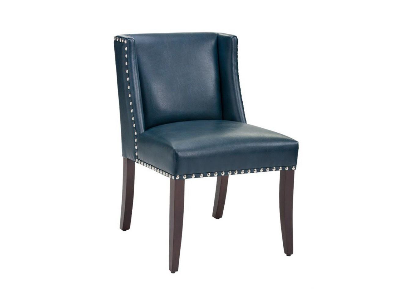 Стул TraitorОбеденные стулья<br>Модель представлена в коже высочайшего качества. Для этого стула мы также можем подобрать кожу на Ваш вкус из других коллекций.&amp;amp;nbsp;&amp;lt;div&amp;gt;&amp;lt;br&amp;gt;&amp;lt;div&amp;gt;Каркас и ножки стула выполнены из дуба.&amp;lt;/div&amp;gt;&amp;lt;/div&amp;gt;<br><br>Material: Кожа<br>Ширина см: 53<br>Высота см: 83<br>Глубина см: 52