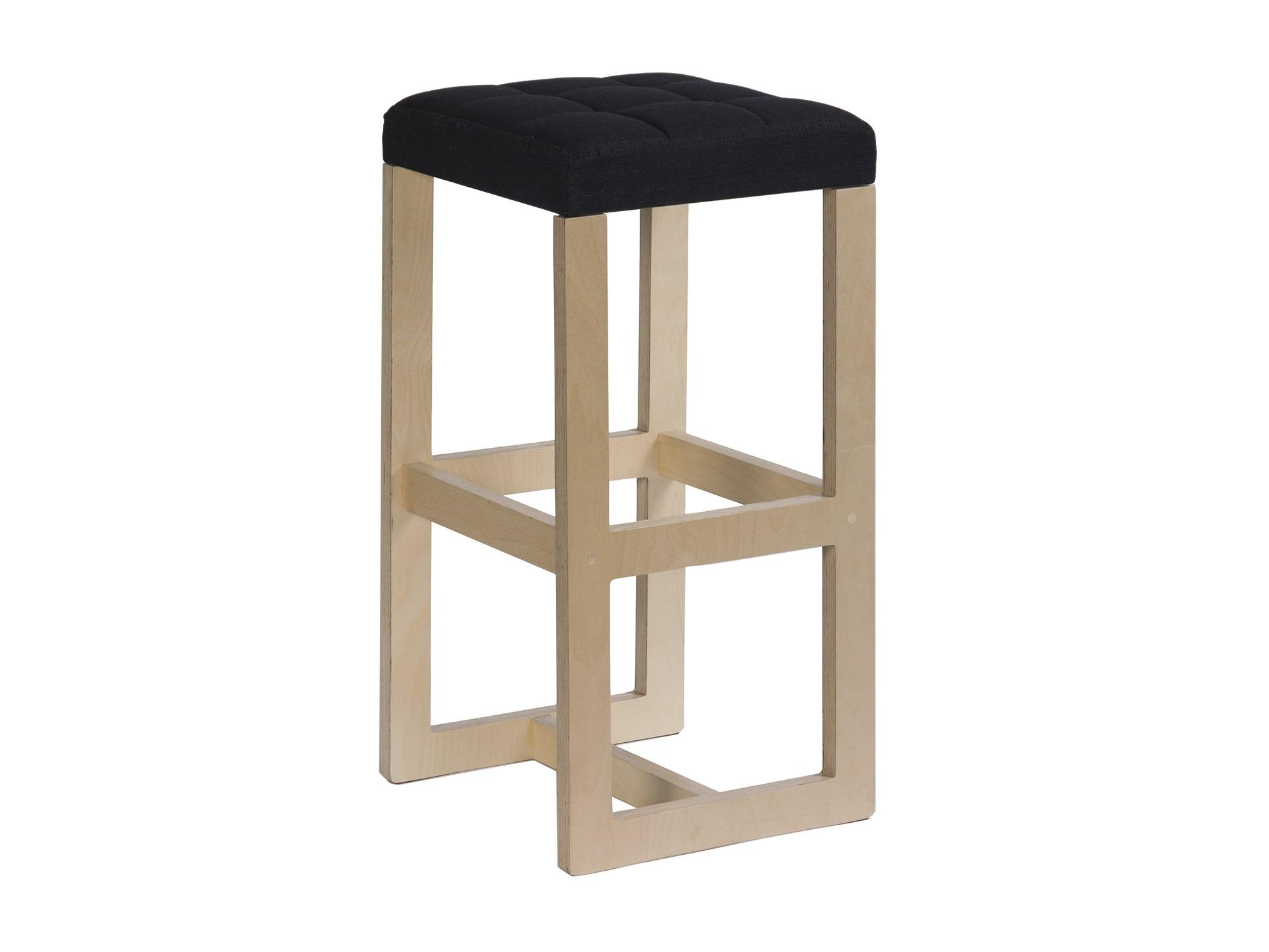 Табурет барный BraziliaБарные стулья<br>Возможно&amp;amp;nbsp; изготовление в других размерах и отделке. Подробности уточняйте у менеджера.<br><br>Material: Фанера<br>Ширина см: 37<br>Высота см: 68<br>Глубина см: 37