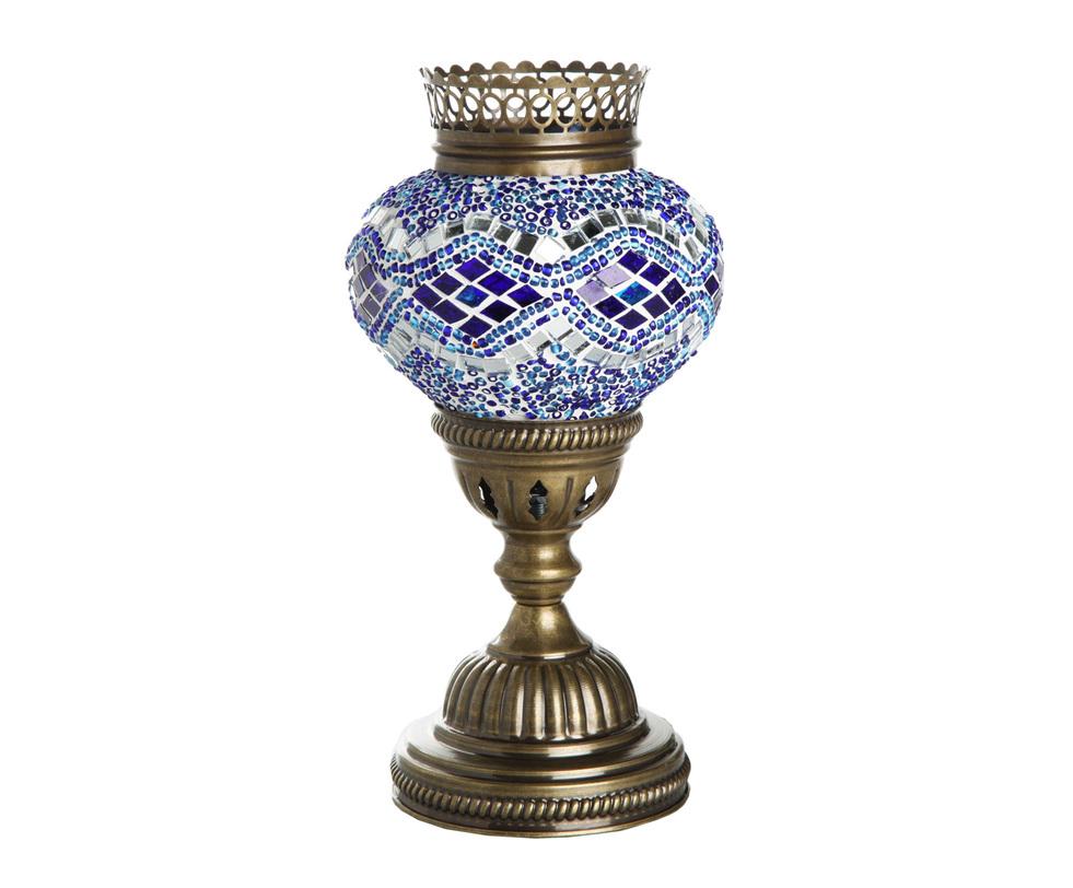 Настольная лампаДекоративные лампы<br>Настольная лампа из Турции по форме напоминает вазу, а по стилю - предмет декора из дворца восточной сказки. Лампа ручной работы украшена мозаичным орнаментом в бело-сине-голубой гамме. Такой оригинальный предмет декора способен привнести в интерьер особую изюминку.<br><br>Material: Стекло<br>Length см: None<br>Width см: None<br>Depth см: None<br>Height см: None<br>Diameter см: None