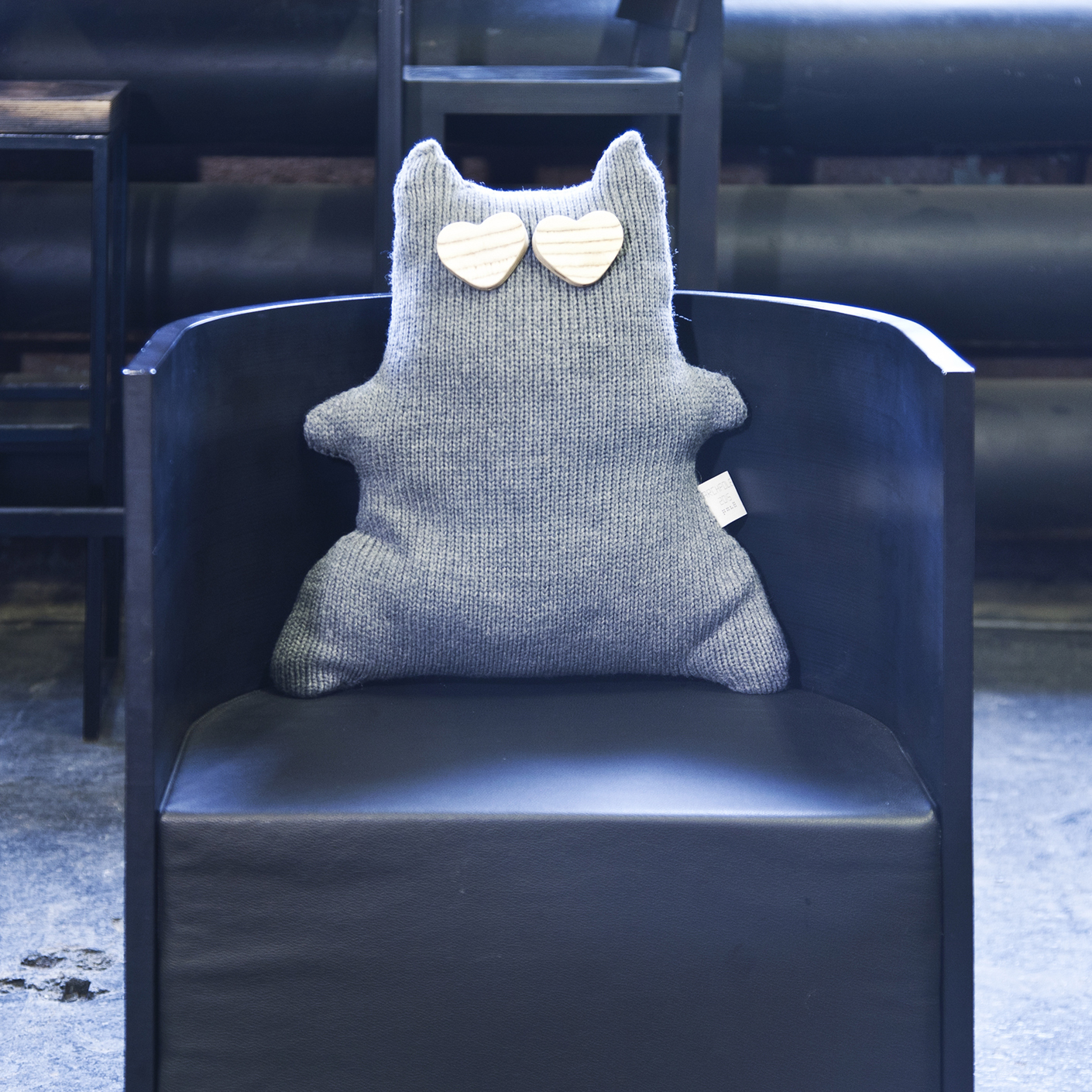 Подушка ДиеткошкаФигурные подушки<br>Материал: 50 % шерсть, 50 % акрил.<br><br>Material: Шерсть
