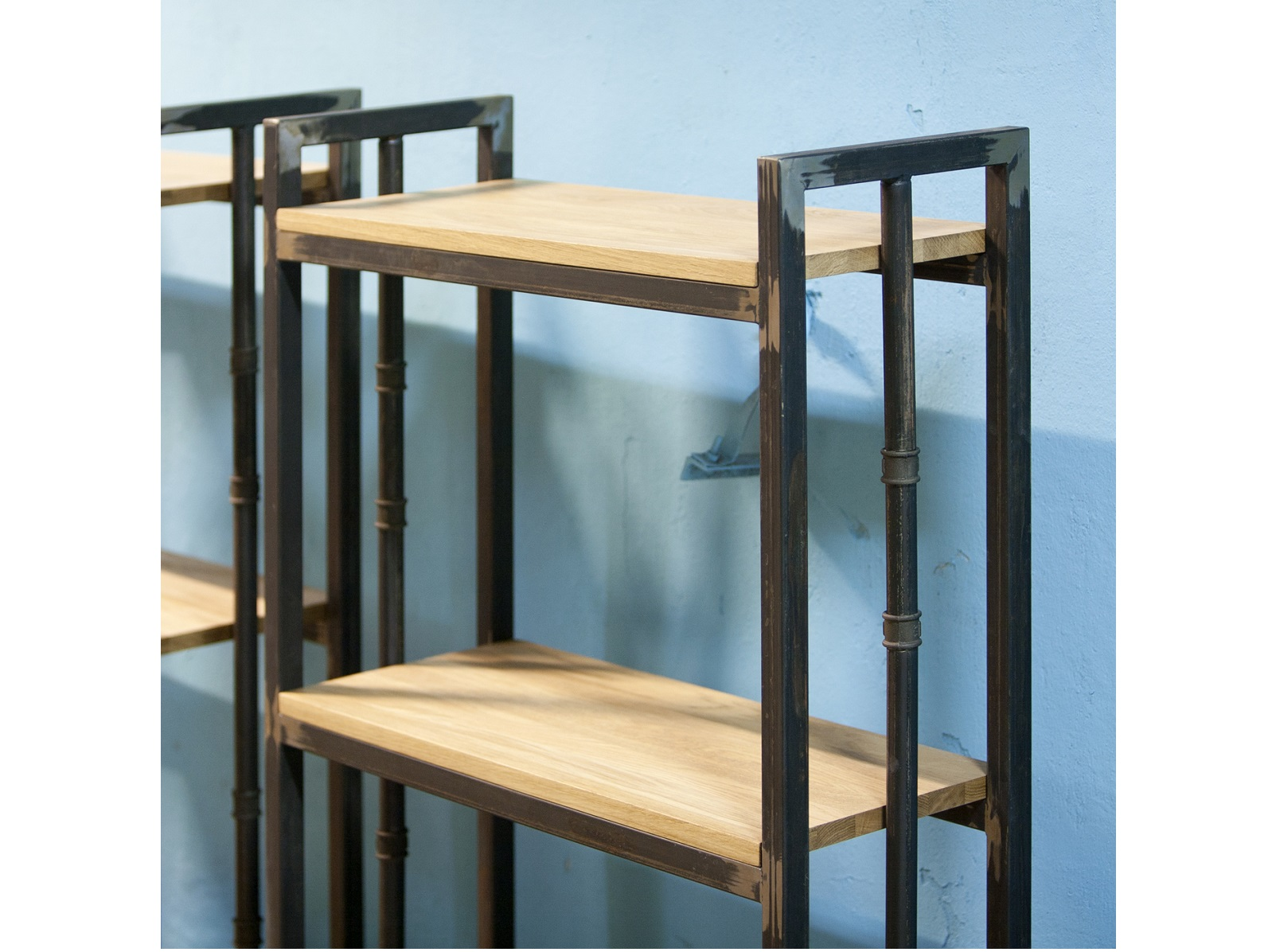 Стеллаж Old zinger oakСтеллажи и этажерки<br>&amp;lt;div&amp;gt;&amp;lt;div&amp;gt;&amp;lt;div&amp;gt;Материалы: дубовый мебельный щит 20мм, труба стальная квадратная 30х30 мм.&amp;lt;/div&amp;gt;&amp;lt;div&amp;gt;&amp;lt;br&amp;gt;&amp;lt;/div&amp;gt;Особенности: возможно устройство дополнительной полки / возможны отверстия для крепления к стене / возможен вырез под плинтус / на основание крепится мебельный войлок&amp;lt;div&amp;gt;Возможно изготовление в других размерах и отделке. Подробности уточняйте у менеджера.&amp;lt;/div&amp;gt;&amp;lt;/div&amp;gt;&amp;lt;/div&amp;gt;&amp;lt;div&amp;gt;&amp;lt;br&amp;gt;&amp;lt;/div&amp;gt;<br><br>Material: Дуб<br>Ширина см: 70<br>Высота см: 180<br>Глубина см: 30