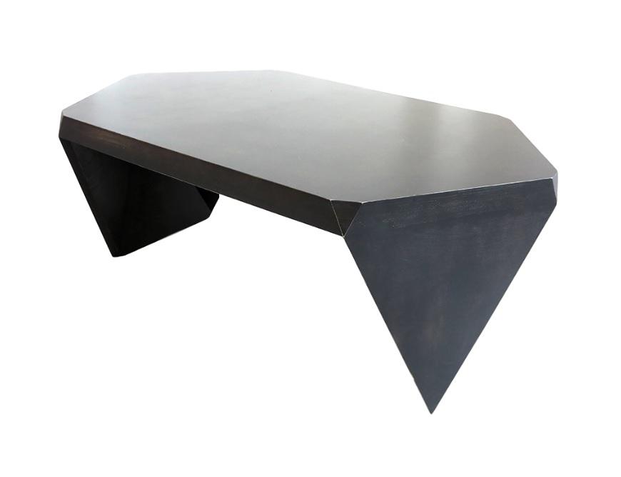 Стол для переговоров ГексагонПисьменные столы<br>Дизайнер Анна Харченко и бренд Archpole создали креативный стол для переговоров. Концепцию &amp;quot;Гексагона&amp;quot; определила&amp;amp;nbsp;<br>любовь к правильной геометрии и эргономике. Такой стол отражает стремление к самовыражению. Монохромные цвета организуют пространство, создавая комфортную деловую среду. Дизайн напоминает космический объект, но при этом выглядит гармонично.&amp;amp;nbsp;<br>&amp;lt;div&amp;gt;&amp;lt;br&amp;gt;&amp;lt;/div&amp;gt;&amp;lt;div&amp;gt;Материал:&amp;amp;nbsp; березовая фанер&amp;lt;/div&amp;gt;&amp;lt;div&amp;gt;Особенности: на основание крепится мебельный войлок&amp;lt;/div&amp;gt;&amp;lt;div&amp;gt;Возможно изготовление в других размерах и отделке. Подробности уточняйте у менеджера.&amp;lt;br&amp;gt;&amp;lt;/div&amp;gt;<br><br>Material: Береза<br>Ширина см: 180<br>Высота см: 74