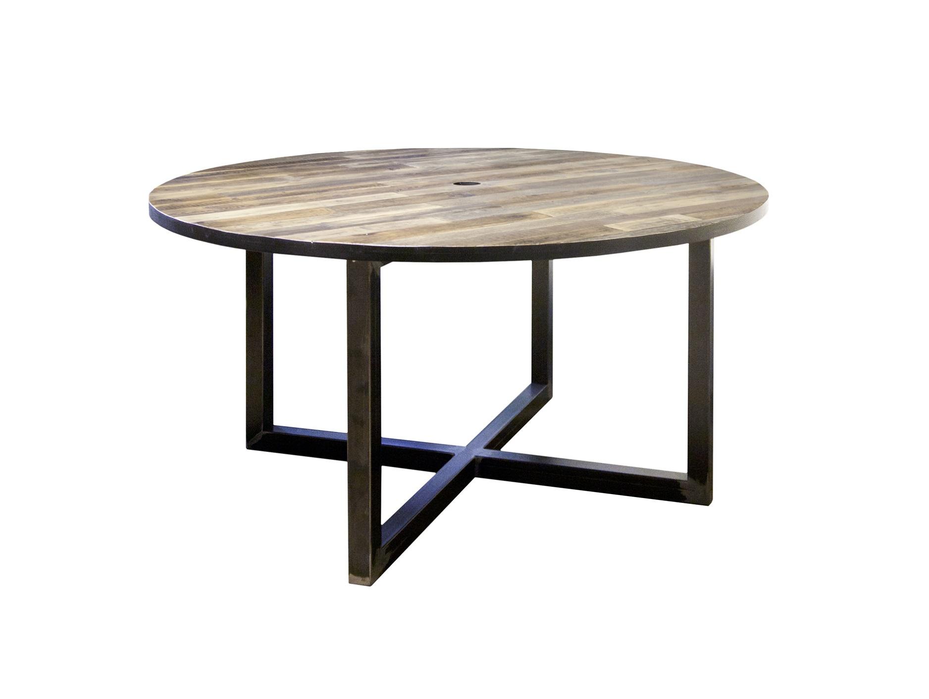 Стол Old round megacrossОбеденные столы<br>&amp;lt;div&amp;gt;Стол&amp;amp;nbsp;&amp;quot;Old Round Megacross&amp;quot; органично впишется в минималистичные интерьеры, где основу составляет свободное пространство. Круглая столешница изготовлена из березы и имитирует паркетную доску. Нижнее основание из стали выполнено в виде массивных скобок. Отлично подойдет для кухни или столовой в стиле лофт.&amp;amp;nbsp;&amp;lt;/div&amp;gt;&amp;lt;div&amp;gt;&amp;lt;br&amp;gt;&amp;lt;/div&amp;gt;&amp;lt;div&amp;gt;Материал: старая доска, березовая фанера, сталь&amp;lt;/div&amp;gt;&amp;lt;div&amp;gt;Особенности: на основание крепится мебельный войлок или колеса&amp;lt;/div&amp;gt;&amp;lt;div&amp;gt;Возможно изготовление в других размерах и отделке. Подробности уточняйте у менеджера.&amp;lt;br&amp;gt;&amp;lt;/div&amp;gt;<br><br>Material: Береза<br>Высота см: 75