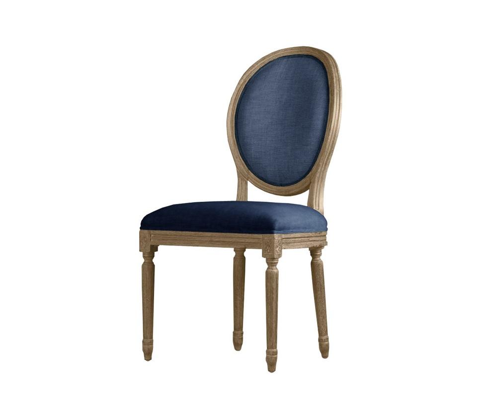 Стул LOUISОбеденные стулья<br>Стул Louis с мягкой спинкой и сиденьем<br>является отличным образцом французского обеденного стула. Ручная работа проявляется в каждой детали изделия. Патинированный дуб, лежащий в основе модели, имеет стилизованную резьбу.<br>Фурнитура:<br>- обивочный ткань – Лазурно-синий вельвет(100% cotton)+лазурно-синий хлопок-лен(63% cotton, 37% linen)<br>- каркас – массив дуба;<br>- наполнение – пенополиуретан;<br>Объем: 0,26 куба<br><br>Material: Вельвет<br>Ширина см: 51<br>Высота см: 102<br>Глубина см: 61