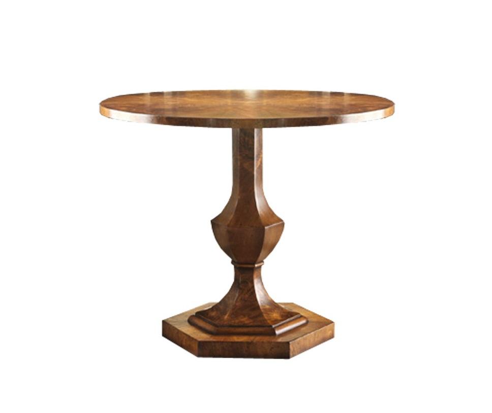 Стол WALNUTОбеденные столы<br>Великолепный круглый обеденный стол выполнен из благородной древесины тёплого оттенка. Массивная фигурная ножка «а-ля ваза» опирается на устойчивое шестиугольное основание. Такой стол олицетворяет собой удобство и стиль. Можно использовать как игральный столик, вокруг которого с лёгкостью разместятся 4 стула.<br><br>Объем: 0,85 куба<br>Вес: 42 кг<br><br>kit: None<br>gender: None