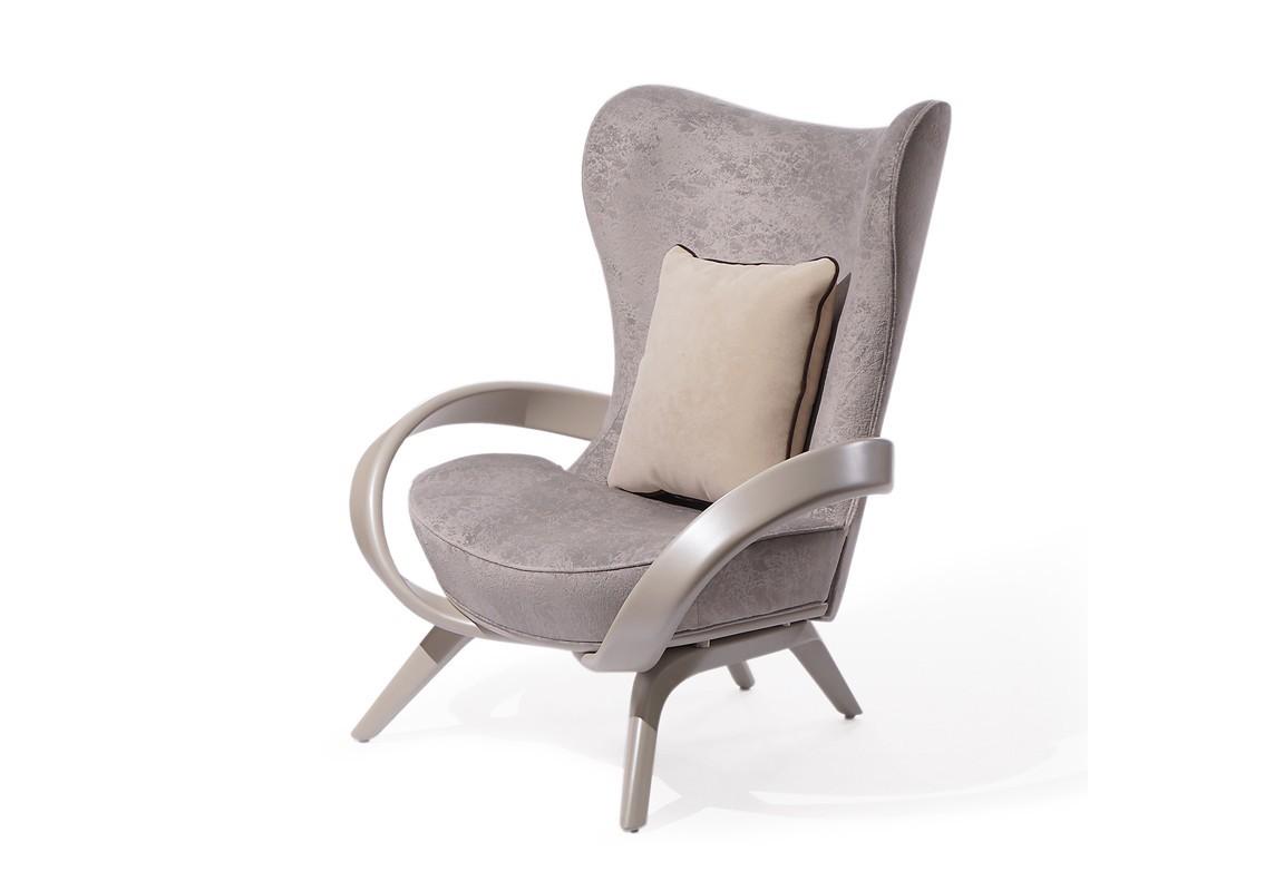 Кресло Apriori SКресла с высокой спинкой<br>Дизайнерское кресло с изящными подлокотниками из натурального дерева.&amp;nbsp;Материал: Натуральное дерево.<br><br>kit: None<br>gender: None