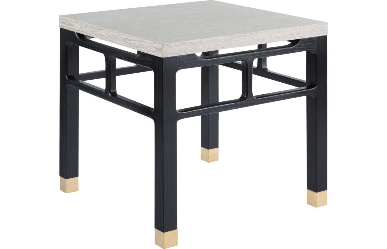 Стол журнальныйЖурнальные столики<br>Квадратный стол соединяет в себе черты индустриального лофта и тонкий намек на скандинавский стиль. В этом убеждают стальной каркас, напоминающий промышленное оборудование, и лаконичная столешница из светлого дерева. За счет кубической конструкции стол с успехом можно использовать в качестве прикроватной тумбы, табурета или дополнительной консоли.<br><br>Material: Дерево<br>Ширина см: 60<br>Высота см: 60<br>Глубина см: 60