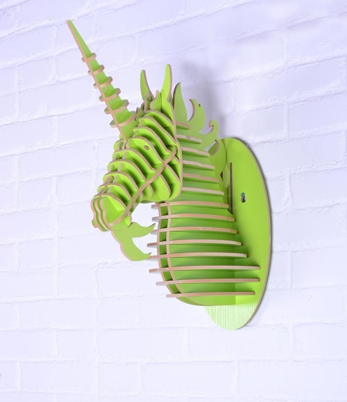 Предмет декора ЕдинорогФигуры<br>Декоративные головы животных на стену выполнены в скандинавском стиле, сочетают в себе естественную простоту и изысканность. Экологически безопасные, сделанные вручную, такие элементы декора смотрятся всегда необычно, и в тоже время очень стильно! Очень много разных цветов и вариантов покраски дают разгуляться воображению.<br><br>Material: МДФ<br>Length см: None<br>Width см: 17.9<br>Depth см: 37.6<br>Height см: 47.3<br>Diameter см: None
