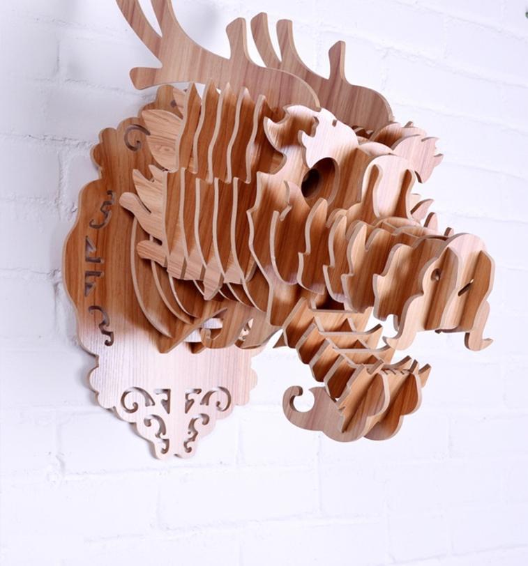 Настенный декор Дракон БежевыйФигуры<br>Декоративные головы животных на стену выполнены в скандинавском стиле, сочетают в себе естественную простоту и изысканность. Экологически безопасные, сделанные вручную, такие элементы декора смотрятся всегда необычно, и в тоже время очень стильно! Очень много разных цветов и вариантов покраски дают разгуляться воображению.<br>Цвет: дерево<br><br>Material: МДФ<br>Ширина см: 28<br>Высота см: 45<br>Глубина см: 40