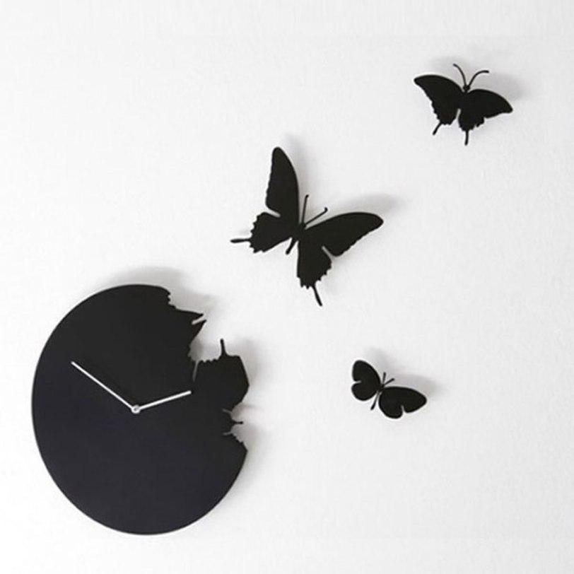 Настенные часы ButterflyНастенные часы<br>Оригинальные настенные часы от итальянской компании Diamantini&amp;amp;Domeniconi с тремя улетающими бабочками, несомненно, выглядят очень романтично. Такие часы глубокого черного цвета подойдут для декора современного интерьера, например, гостиной, спальни или комнаты творческой юной девушки.<br><br>Material: Металл<br>Depth см: 2<br>Diameter см: 40