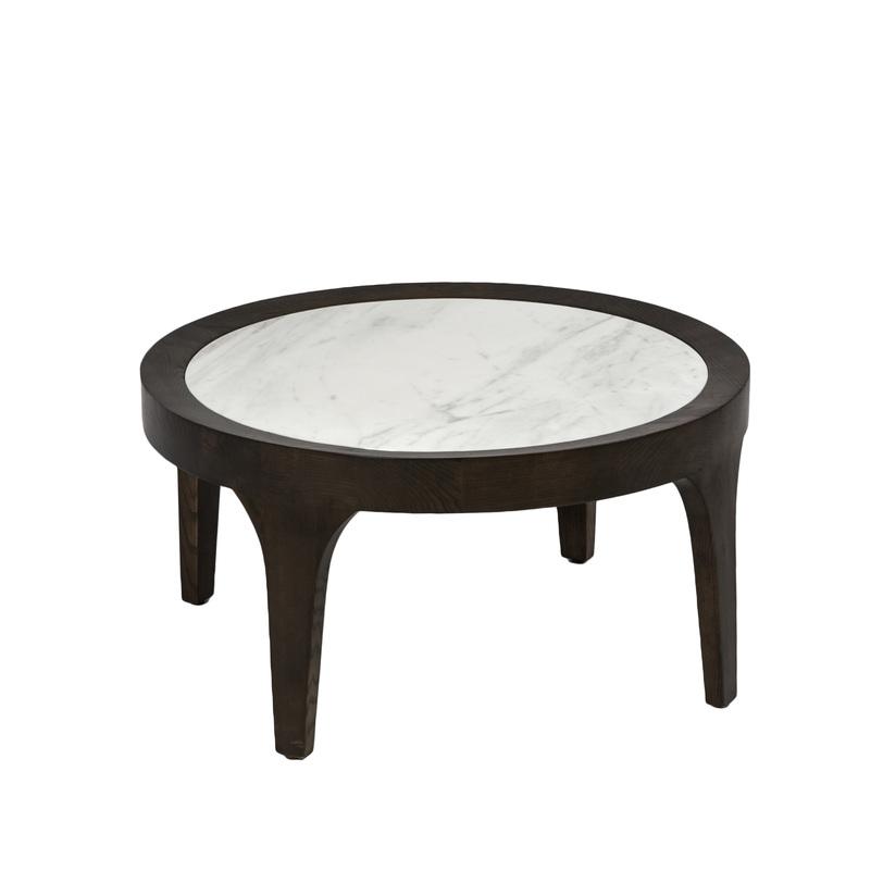 СтолЖурнальные столики<br>Оригинальным и стильным этот журнальный столик делают и пропорции (столешница большого диаметра на низких ножках), и сочетание материалов. Светлая мраморная столешница обрамлена тёмным деревом, а точёные ножки как бы вырастают из этого обрамления. Эта модель станет украшением интерьера в современном классическом стиле.<br><br>Material: Мрамор<br>Length см: None<br>Width см: None<br>Depth см: None<br>Height см: 30<br>Diameter см: 70700