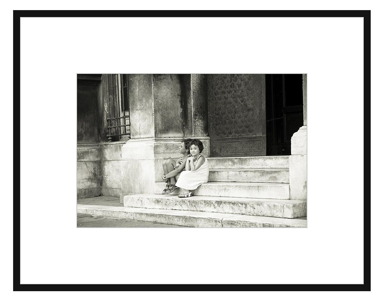 Авторская арт-фотография На ступенях церквиПостеры<br>Авторская фотография для интерьера, оформленная с галерейным качеством, в раме, с паспарту, под стеклом. Срок поставки — 3-5 рабочих дней с момента оформления заказа.