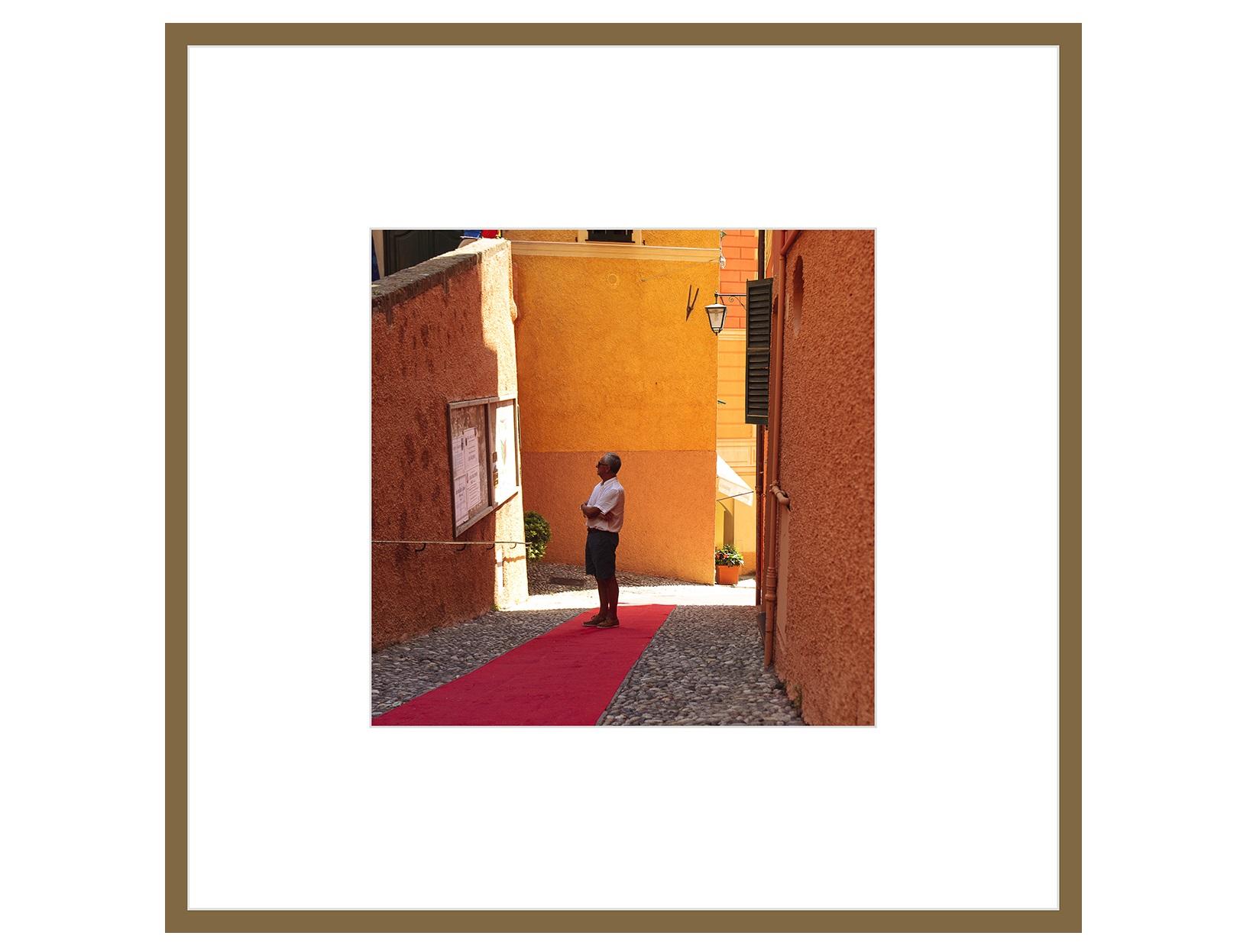 Авторская арт-фотография оранжевые новости (george rouchin photography) оранжевый 60x60 см. фото