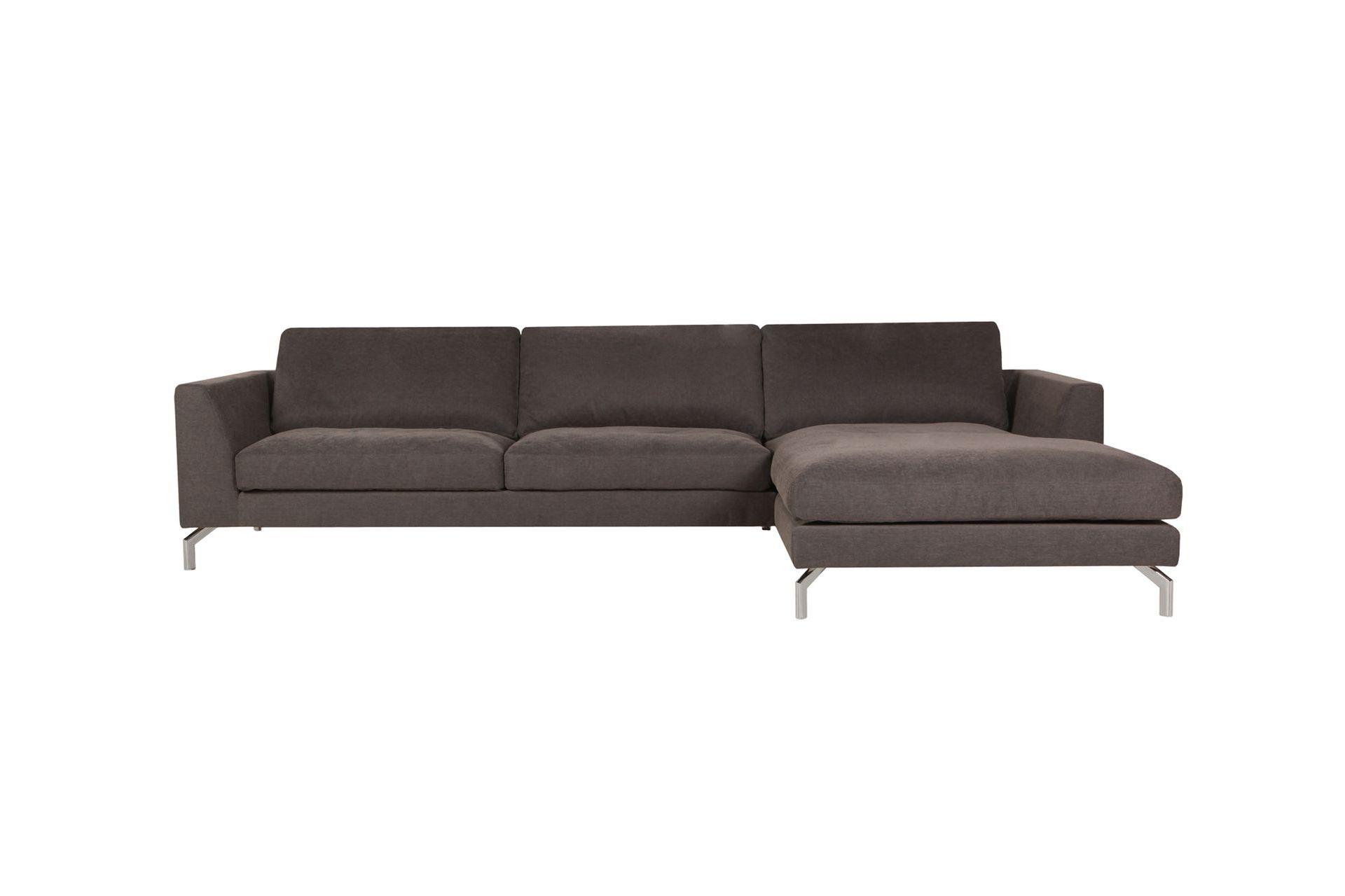 Диван OhioУгловые диваны<br>Этот диван соединяет в себе высокий комфорт и продуманный дизайн. Легкие хромированные ножки, подушка-подголовник (как вариант комплектации модели) – идеальный диван для тех, кто любит сочетать отдых и эстетическое удовольствие. Модель дивана OHIO может быть создана из самостоятельных элементов по выбору клиента, или выбрана из 11 готовых комплектов.<br><br>kit: None<br>gender: None