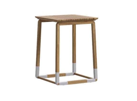 Стол кофейный CYCLEСтолы и столики для сада<br>Все материалы, используемые в мебели фабрики ATMOSPHERA, подходят для улицы. Они устойчивы к широкому диапазону температур, ультрафиолетовым лучам, воде, соли. Материал: дерево тика