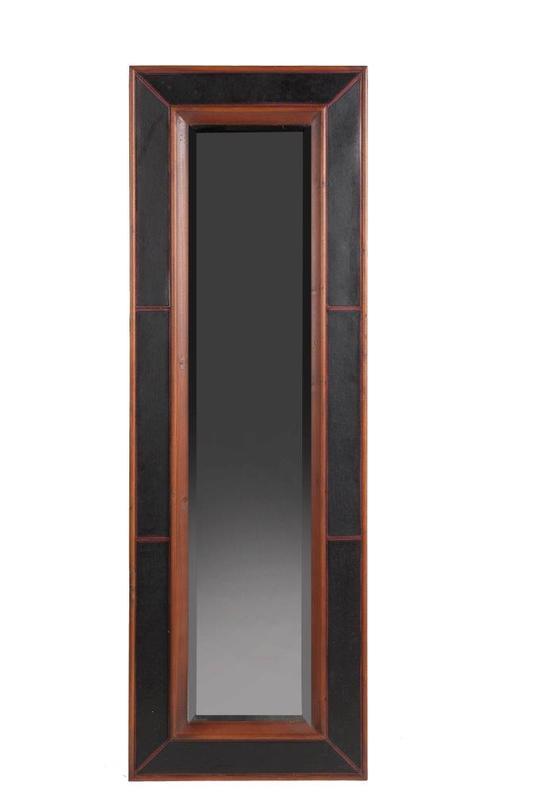 Зеркало PorzioneНастенные зеркала<br>Зеркало Porzione – превосходный предмет декора, созданный специально для модников и модниц, любящих оценивать свой внешний вид в полный рост. Простое деревянное обрамление придает аксессуару легкий налет старины, но при этом не уменьшает его изысканность и очарование. Однако роскошный темно-коричневый/черный цвет придает зеркалу лоск и дорогой вид. Оно идеально впишется в любую комнату вашего дома, оформленную в стиле «прованс».<br><br>Material: Стекло<br>Width см: 60.5<br>Depth см: 4.0<br>Height см: 180.0