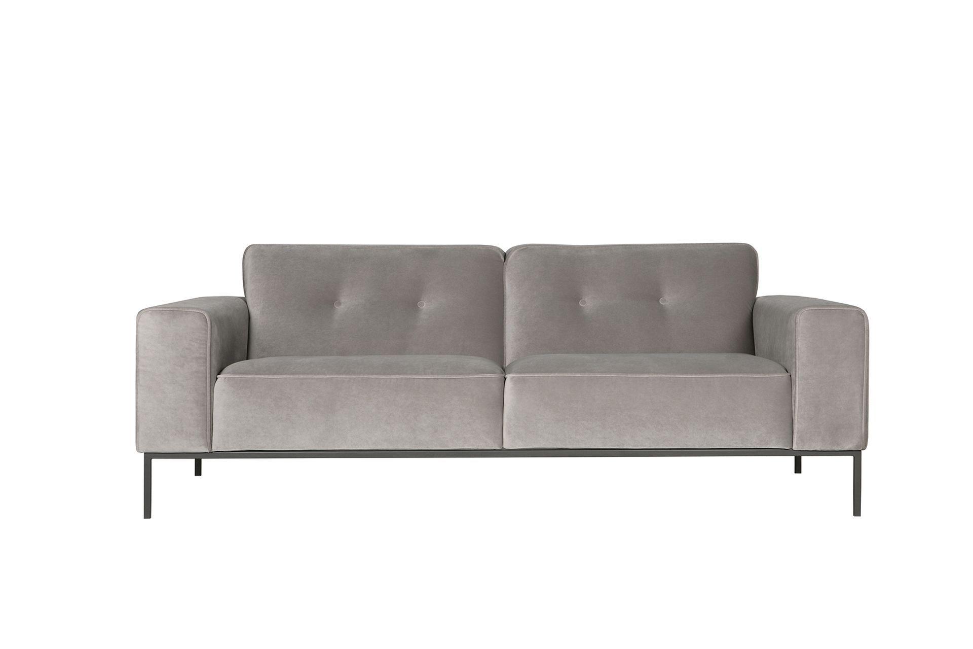 Диван VilleТрехместные диваны<br>Диван VILLE – отличный образец мебельного минимализма. Но одна деталь не дает этой модели быть строгой – Вы можете заказать диван VILLE с контрастной окантовкой.<br><br>kit: None<br>gender: None