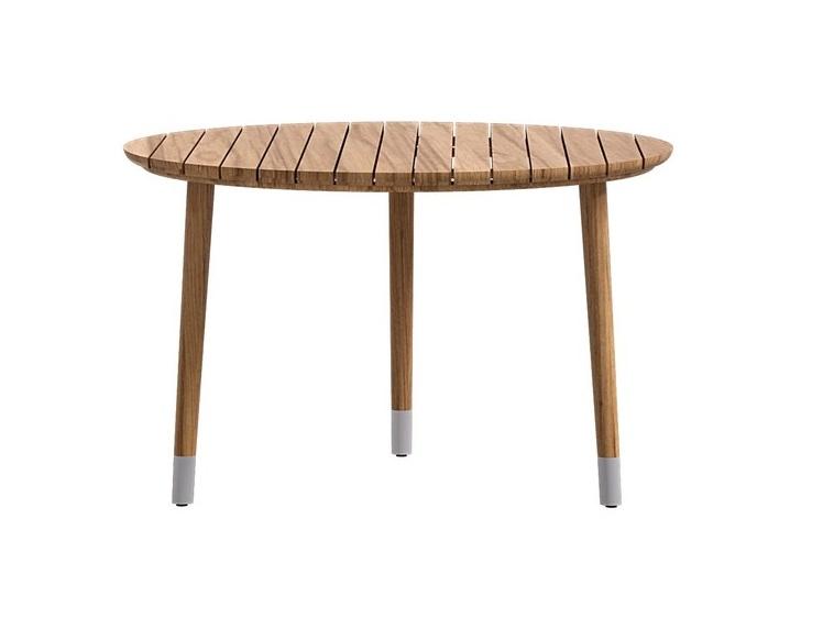 Стол кофейный MEDUSAСтолы и столики для сада<br>Все материалы, используемые в мебели фабрики ATMOSPHERA, подходят для улицы. Они устойчивы к широкому диапазону температур, ультрафиолетовым лучам, воде, соли. Обивка подушек выполнена  итальянскими тканями высокого качества, подходящими для использования на открытом воздухе.Материал: дерево тика<br><br><br>kit: None<br>gender: None