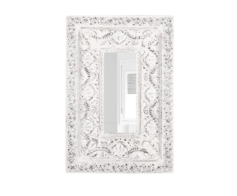 ЗеркалоНастенные зеркала<br>Насыщенный декор рамы зеркала напоминает кружевную ткань, можно использовать вертикально или горизонтально, предпочтительно в интерьерах в стиле прованс, кантри или в качестве акцента. Приятно посмотреться в такое зеркало после пробуждения.<br><br>Material: Пластик<br>Width см: 77<br>Depth см: 17<br>Height см: 114