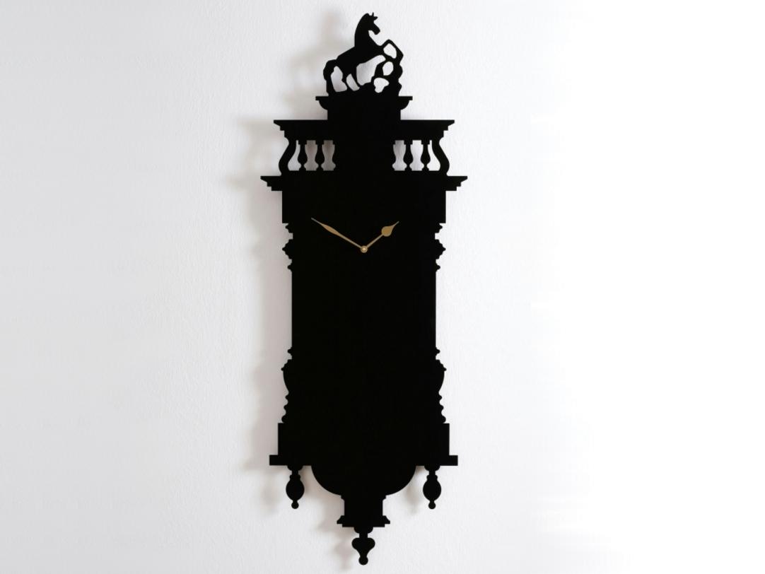 Часы Memoclock BlackНастенные часы<br>Очаровательный ироничный предмет. Не с кукушкой, но с лошадью. Практически плоские (толщина всего 3 см) эти часы имеют оригинальный силуэт, вырезанный в металле. Черный цвет придает конструкции монолитность.<br><br>Material: Металл<br>Length см: None<br>Width см: 47<br>Depth см: 3<br>Height см: 120<br>Diameter см: None