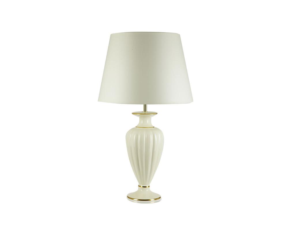 Настольная лампаДекоративные лампы<br>Основание в виде белой классической вазы. Плавные секции, золотые ободки вдоль донышка и горлышка. Абажур белый и не менее классический, чем основание.&amp;lt;div&amp;gt;&amp;lt;br&amp;gt;&amp;lt;/div&amp;gt;&amp;lt;div&amp;gt;&amp;lt;div&amp;gt;Вид цоколя: E27&amp;lt;/div&amp;gt;&amp;lt;div&amp;gt;Мощность: 60W&amp;lt;/div&amp;gt;&amp;lt;div&amp;gt;Количество ламп: 1&amp;lt;/div&amp;gt;&amp;lt;/div&amp;gt;<br><br>Material: Керамика<br>Length см: 35.0<br>Width см: None<br>Depth см: None<br>Height см: 60.0<br>Diameter см: None