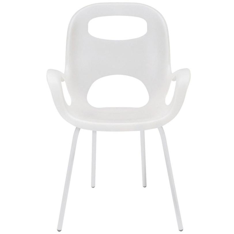 Cтул Oh chairСтулья с подлокотниками<br>Стильный стул, созданным Каримом Рашидом – гением и признанным гуру промышленного дизайна. Знаете, почему он называется «Oh» (по-русски – «Ого»)? Именно это вы воскликните, когда сядете и ощутите приятные объятия этого стула! Смешав классику и ретрор-шик, Карим Рашид создал простой, но эффектный предмет мебели.<br>Сиденье из прочного полпиропилена (выдерживает до 136 кг), со специальным матовым покрытием плюс ножки того же цвета, на концах оснащенные нейлоновыми протекторами – благодаря им стул не царапает пол. Эргономичный дизайн обеспечивает комфорт и поддержку спины. Отличный компаньон столу в гостиной, на кухне, в саду и других местах, которым требуется дизайнерское вдохновение.<br>Цвет: белый<br>Материал: полипропилен, нержавеющая сталь<br><br>Material: Пластик<br>Length см: 61<br>Width см: 61<br>Height см: 86