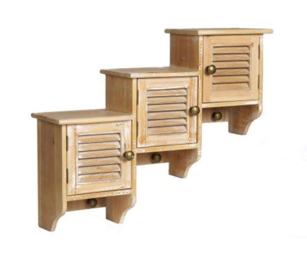Настенные шкафчики ColetteПолки<br>Оригинальные настенные шкафчики Colette непременно станут главным украшением вашего дома в стиле «шебби шик». Неповторимый дизайн, приятный цвет и использование натурального дерева при изготовлении делает их ни с чем несравнимыми и уникальными. В таком шкафчике можно хранить любые предметы обихода, одежду, аксессуары, а если сверху поставить цветы или изысканные предметы декора, ваш дом заиграет по-новому.<br><br>Material: Дерево<br>Length см: 64<br>Width см: 17<br>Height см: 51