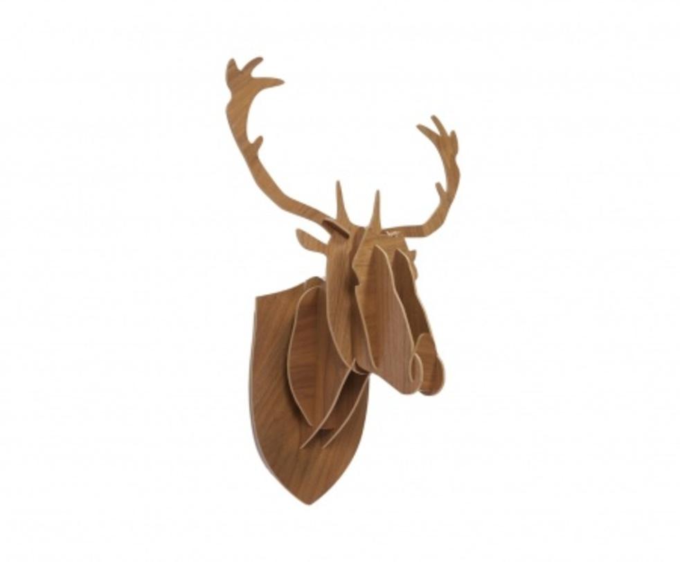 Декоративная голова оленя Brown BigФигуры<br>Декоративная голова оленя Brown Big – это оригинальный предмет украшения интерьера, который привнесет в него изюминку, сделает неповторимым и изысканным. Аксессуар изготовлен из высококачественного материала и собирается, как деревянный пазл. Голова роскошно будет смотреться на стене в комнате, оформленной как в современном, так и в классическом стиле. Создайте уют в вашем доме!<br><br>Material: Дерево<br>Length см: 52<br>Width см: 26<br>Height см: 70