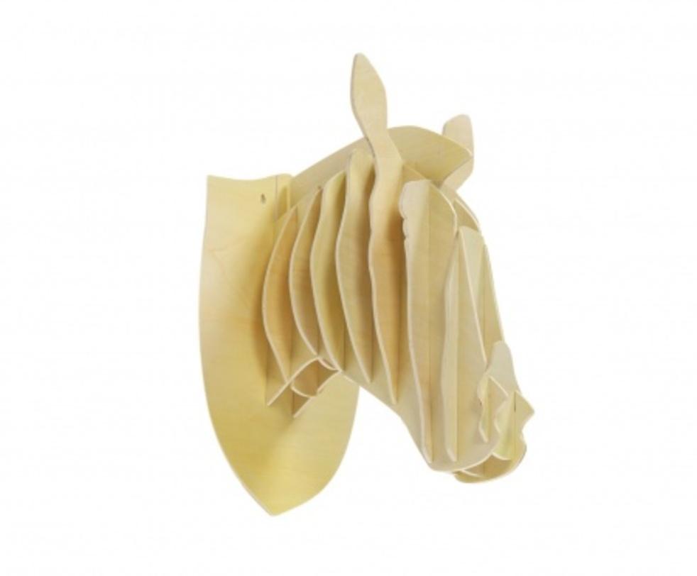 Декоративная голова лошади IvoryФигуры<br>Декоративная голова лошади Ivory – это оригинальный предмет украшения интерьера, который привнесет в него изюминку, сделает неповторимым и изысканным. Аксессуар изготовлен из высококачественного материала и собирается, как деревянный пазл. Голова роскошно будет смотреться на стене в комнате, оформленной как в современном, так и в классическом стиле. Создайте уют в вашем доме!<br><br>Material: Дерево<br>Length см: 27.0<br>Width см: 36.0<br>Depth см: None<br>Height см: 47.0<br>Diameter см: None
