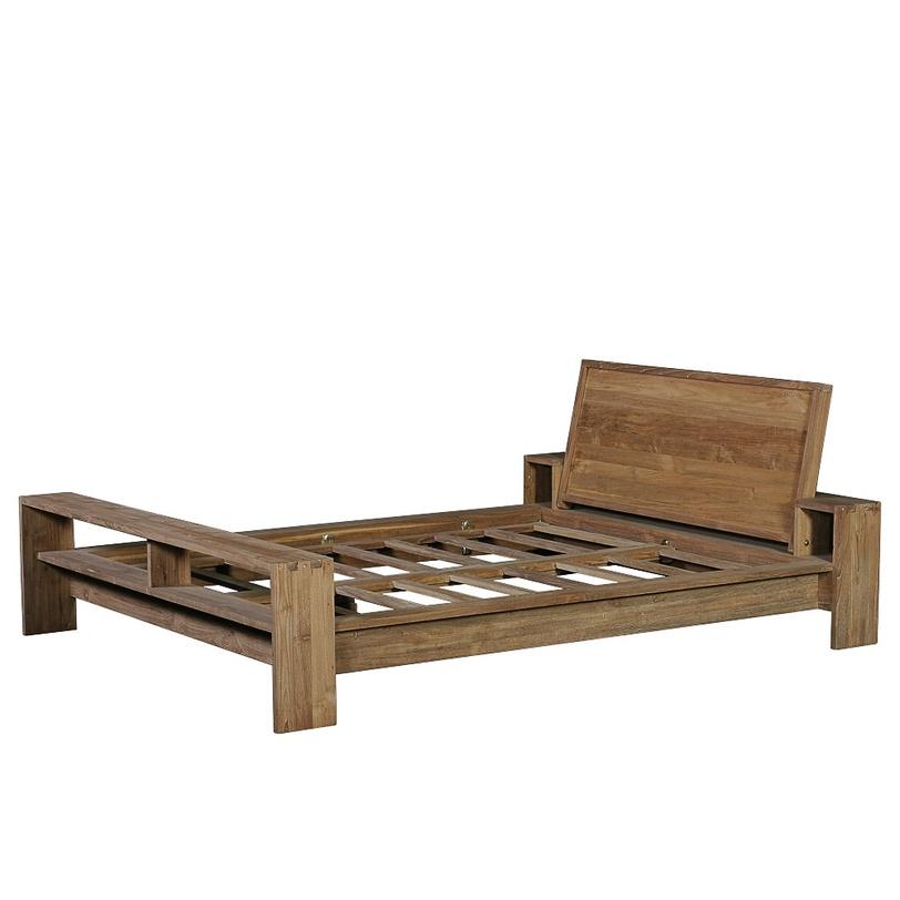 Кровать Fiss QueenДеревянные кровати<br>Каркас кровати из массива тика, удобные полки в изножье и небольшие ниши у изголовья делают её практичным решением для любой спальни.<br><br>Размер спального места: 160x200<br><br>Material: Тик<br>Length см: None<br>Width см: 185<br>Depth см: 240<br>Height см: 90